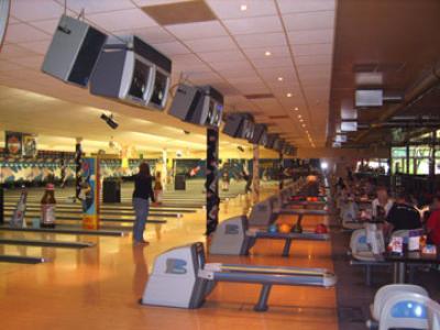 bowl arena spandau berlin bis 17 sparen bei bowling und billard. Black Bedroom Furniture Sets. Home Design Ideas
