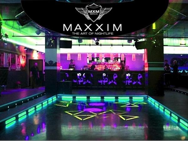 club maxxim berlin bis zu 12 sparen bei party eintritt. Black Bedroom Furniture Sets. Home Design Ideas