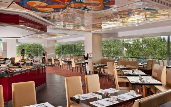 hotel palace berlin bis zu 26 sparen beim fr hst cksbuffet. Black Bedroom Furniture Sets. Home Design Ideas