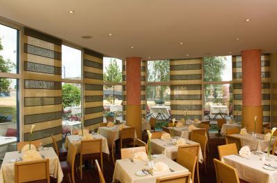 Nh Hotel Berlin Bis 19 Sparen Bei Speisen Im Restaurant Spreeblick