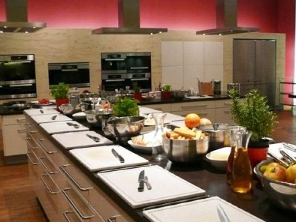 Kochschule  Kochschule Berlin im Hotel Steigenberger : bis zu 75,00 € sparen bei ...