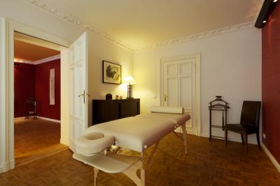 lotus wellness care berlin bis zu 37 sparen bei massagen. Black Bedroom Furniture Sets. Home Design Ideas