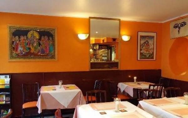 restaurant nepal haus berlin bis 12 sparen bei nepalesischer k che. Black Bedroom Furniture Sets. Home Design Ideas