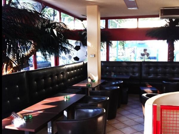 qwados shisha bar berlin bis 8 sparen bei wassserpfeifen. Black Bedroom Furniture Sets. Home Design Ideas