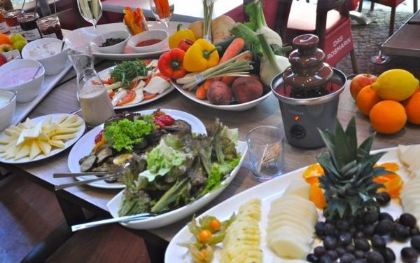 Das Rosmarin Berlin : restaurant rosmarin berlin 24 sparen bei mediterranen gerichten ~ Markanthonyermac.com Haus und Dekorationen