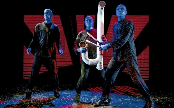 blue man group stage theater berlin bis 84 sparen bei. Black Bedroom Furniture Sets. Home Design Ideas