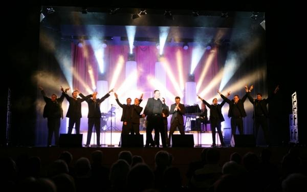 TIPI AM KANZLERAMT Berlin: TIPI AM KANZLERAMT Berlin: THE 12 TENORS - Greatest Hits